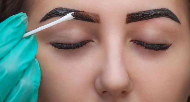 как правильно красить брови тенями
