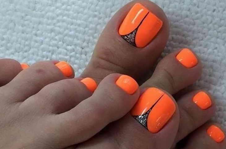 оранжевый педикюр