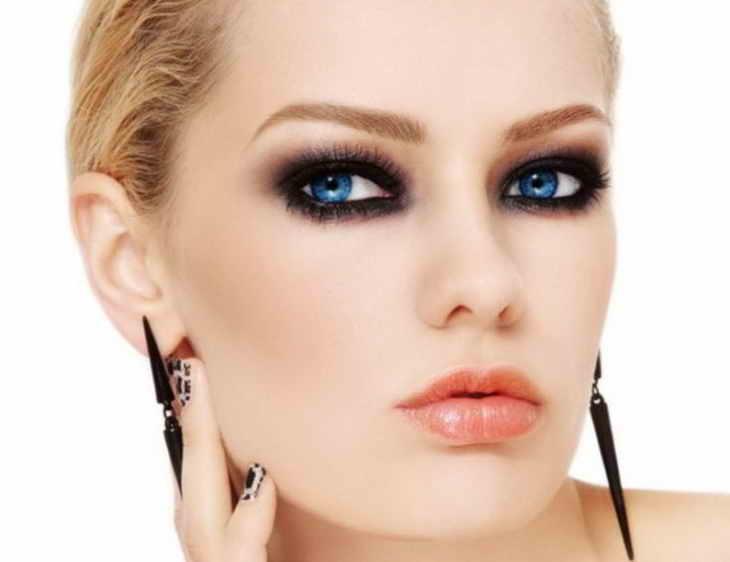 макияж для блондинок смоки