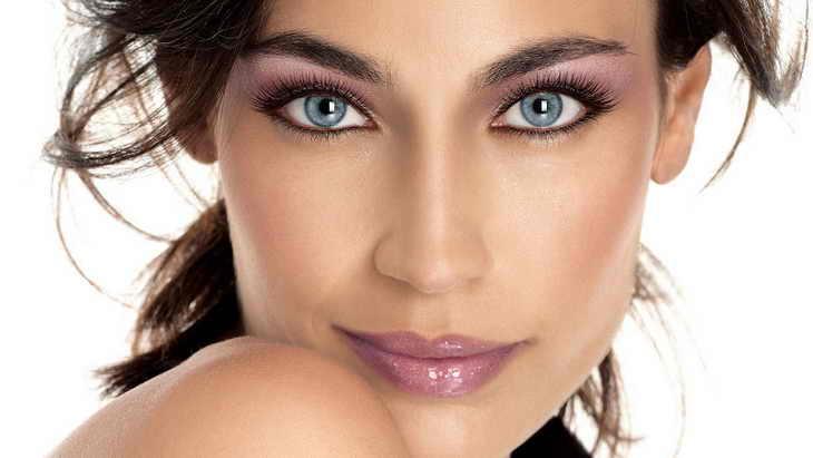 макияж для брюнеток с синими глазами