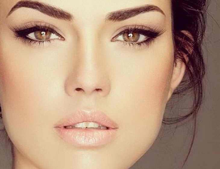 макияж для брюнеток со светлой кожей