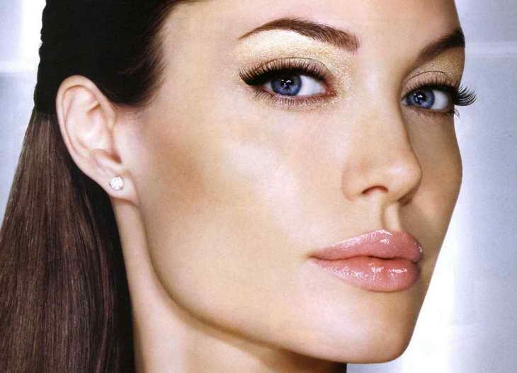 макияж для серо голубых глаз для брюнетки