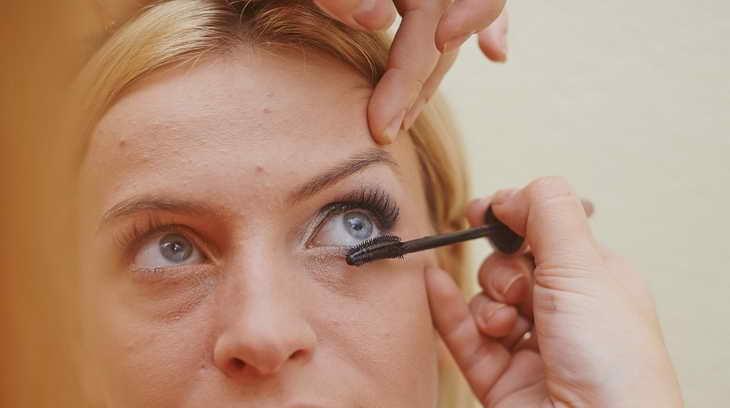 макияж для серо голубых глаз как делать