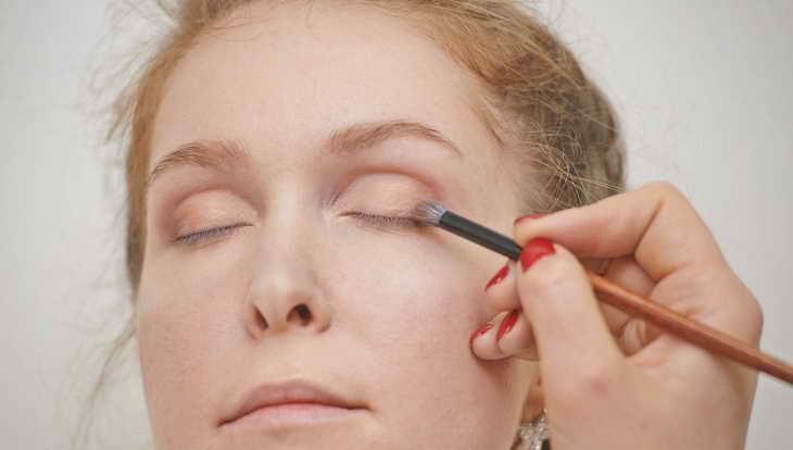 макияж для серо зеленых глаз как делать себе самой