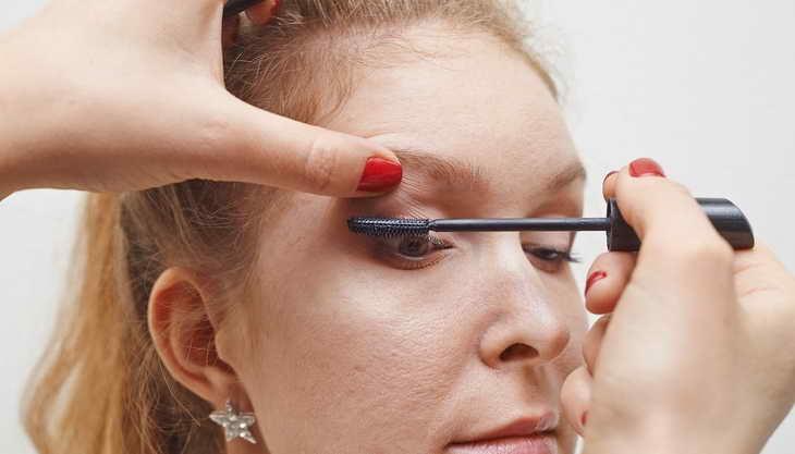 макияж для серо зеленых глаз дневной