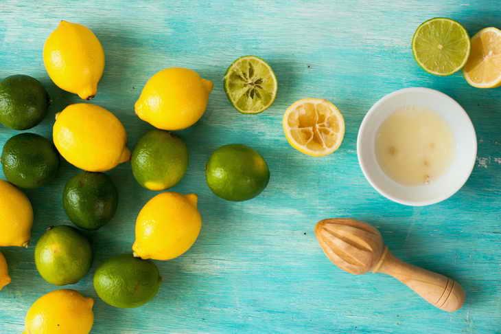 Маска с яйцом, лимоном и перекисью водорода