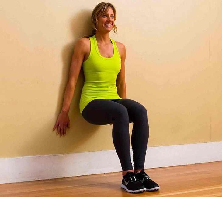 Статическое упражнение «Стул» для похудения ног