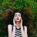 Маска для лица изламинарии поможет замедлить процессы старения, убать прыщи иподтянуть кожу