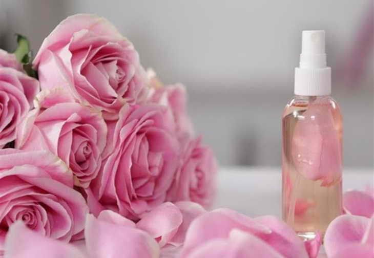 маска с огурцом для лица с розовой водой