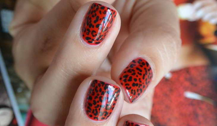 леопардовый маникюр красный