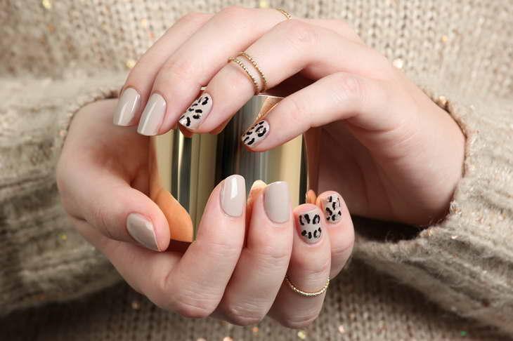 леопардовый маникюр нюдовый
