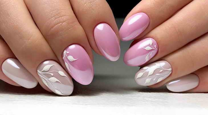 маникюр в пастельных тонах розовый