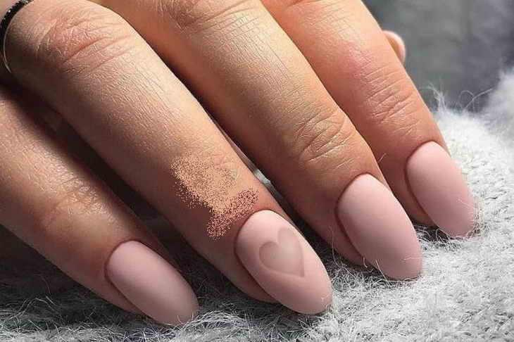 маникюр пастельных тонов на длинные ногти