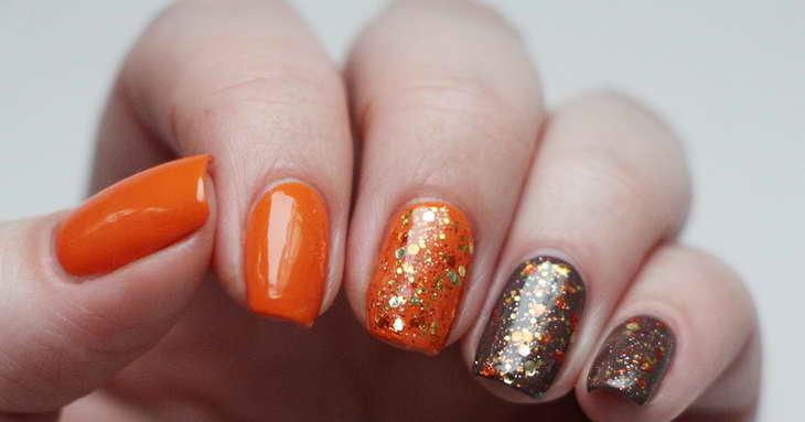 оранжево коричневый маникюр