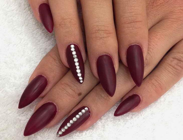 вишневый маникюр на длинные ногти