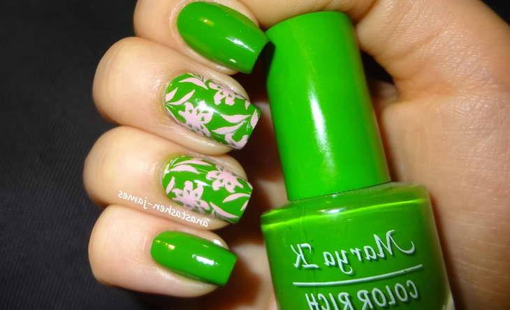 маникюр в зеленых тонах фото