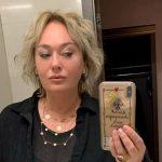 Лариса Гузеева похвасталась пикантным образом навечеринке
