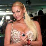Анастасия Волочкова смутила своим нелепым внешним видом постояльцев отеля