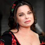 Наташа Королева опубликовала снимки вкупальнике, однако фанаты заметили лишний вес